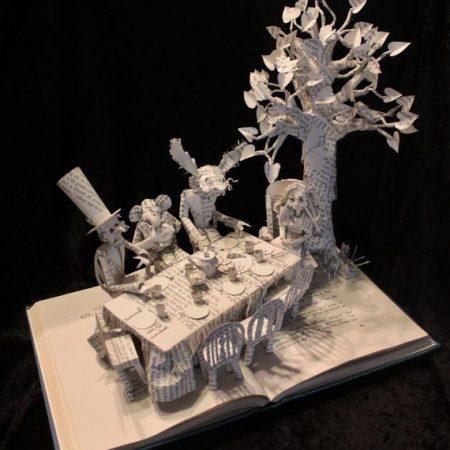 Der verrückte Hutmacher - Alice im Wunderland Buchkunst
